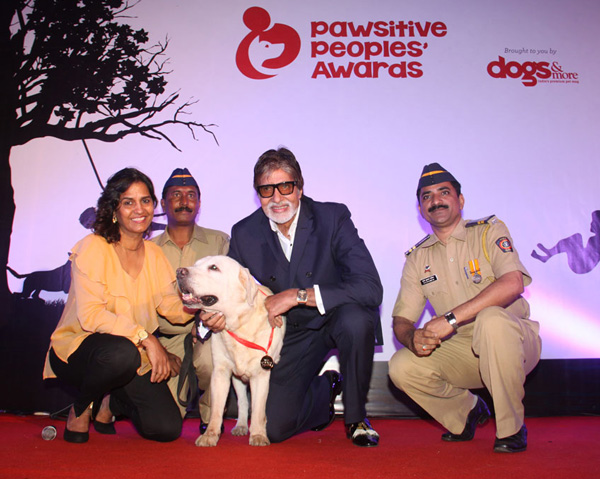 Sniffer Dog Awarded by Mr. Amitabh Bachan