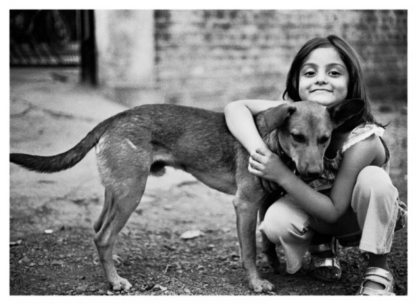 girl_and_dog_by_carvinganish